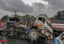 In Maharashtra, 16 labourers dead after truck overturns