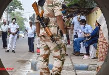 West Bengal: Five People Killed in CISF Firing; EC Adjourns Voting at a Polling Station